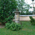 Nagrobek na cmentarzu przy kościele parafialnym w Tarnogórze